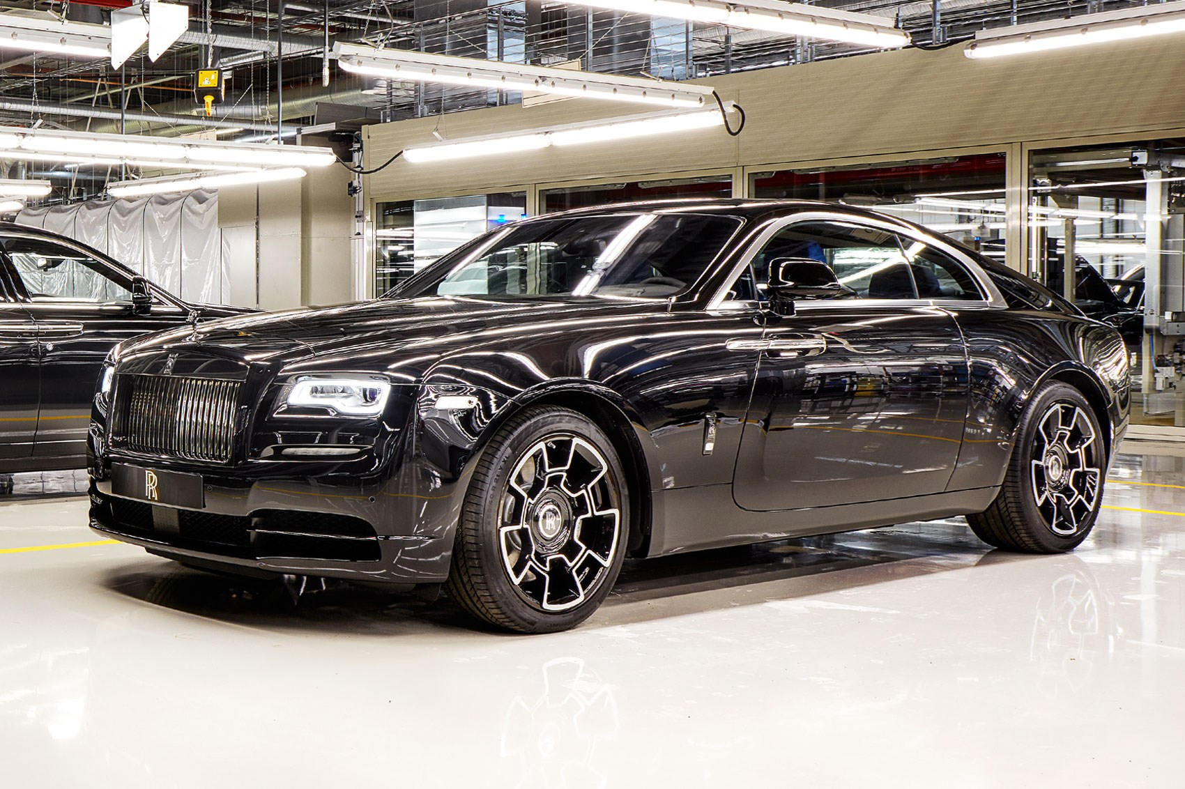 Inside rolls royce 800 hours and the job s a good un by for Rolls royce motor cars