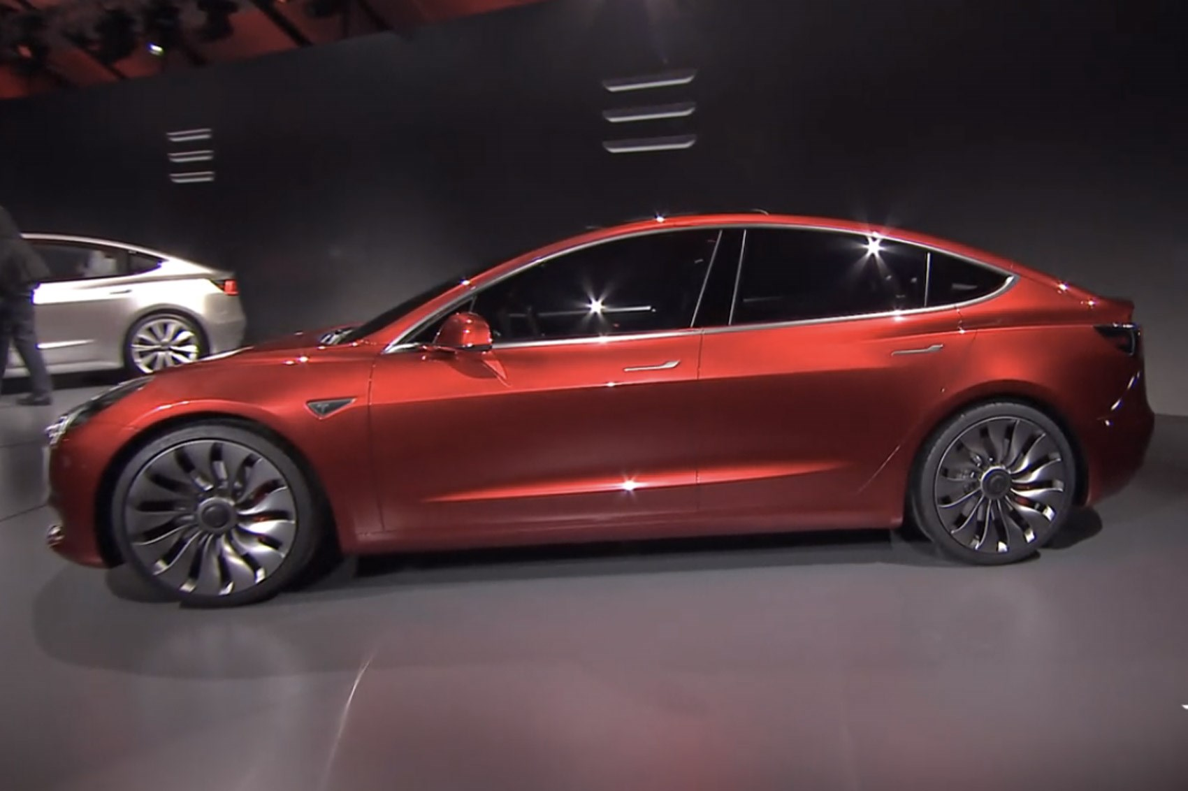 Tesla Model Report Claims Batteries Are Being Manually - All tesla cars