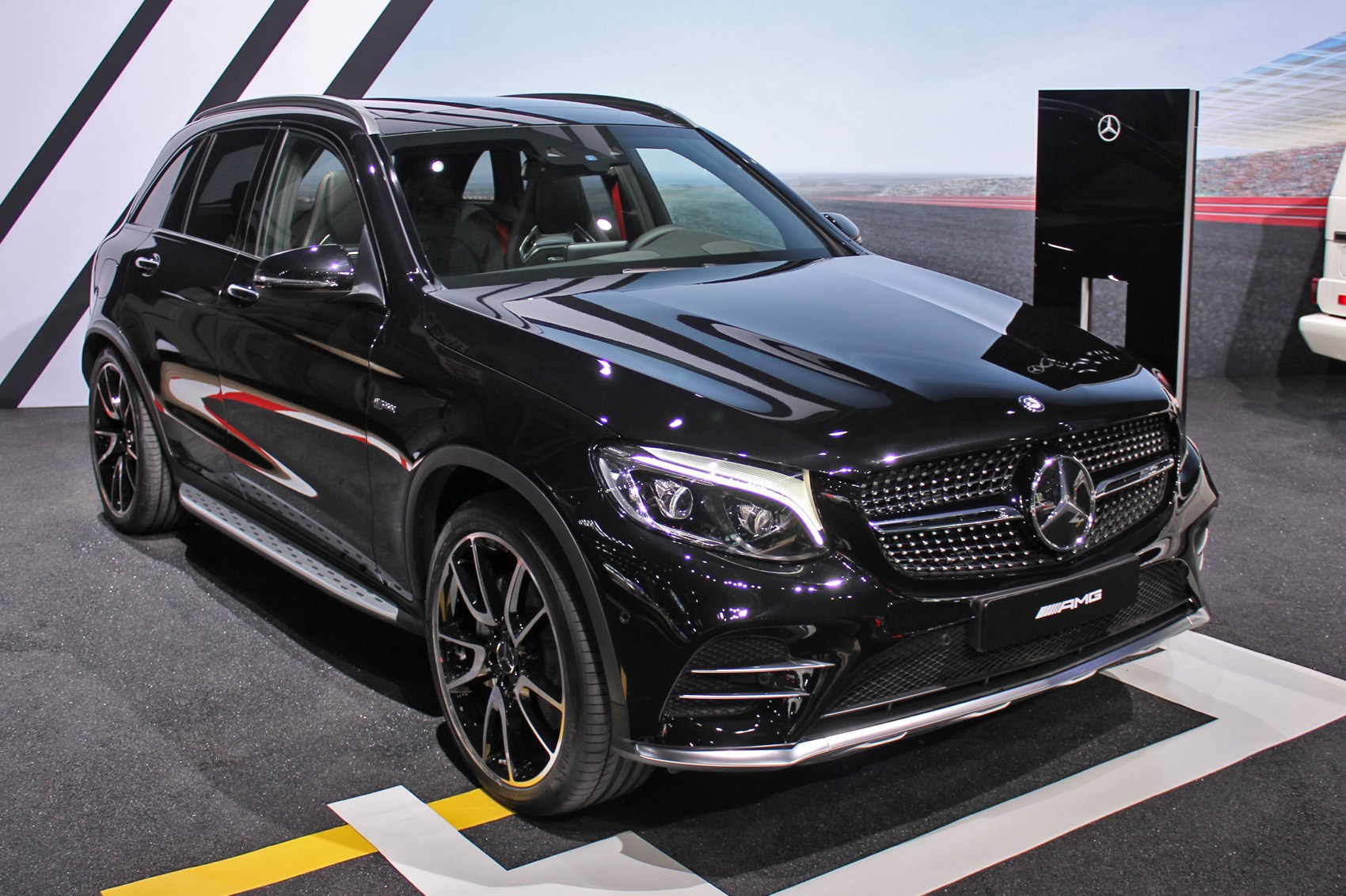mercedes amg glc 43 4matic is here amg genes for all by car magazine. Black Bedroom Furniture Sets. Home Design Ideas
