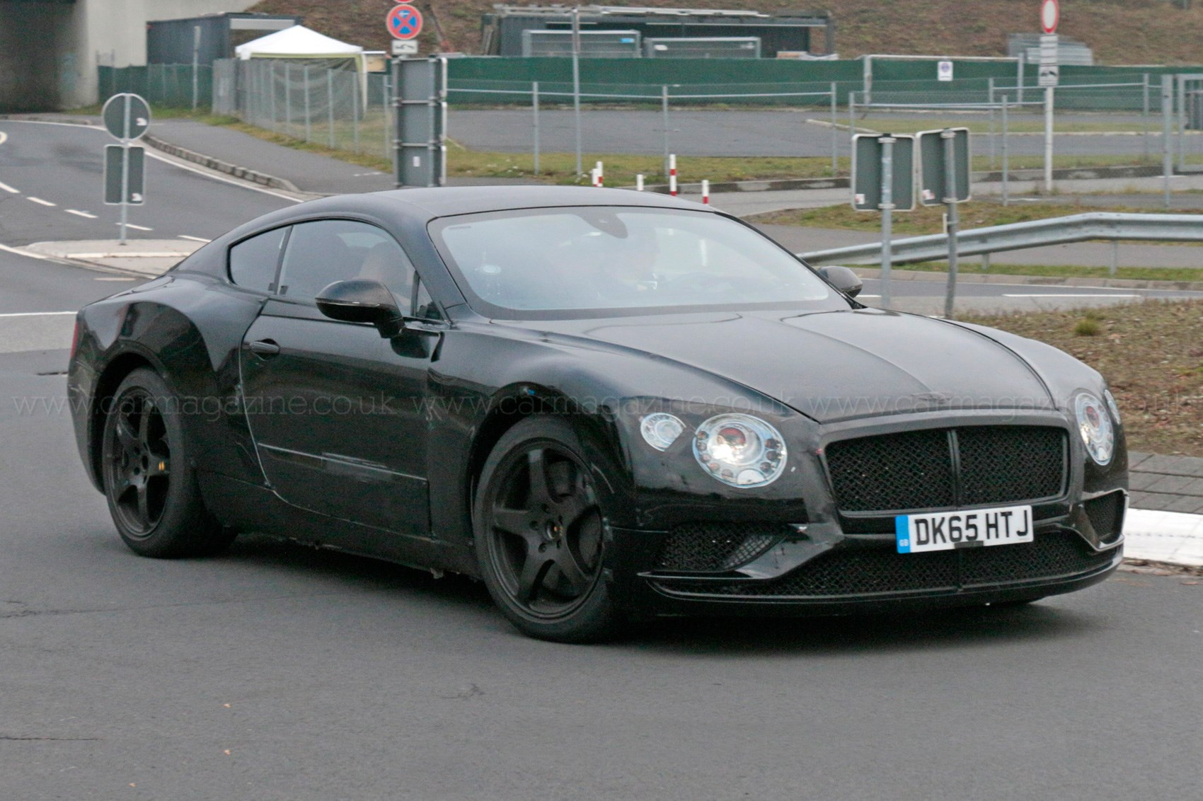 Spy photos specs of new 2018 bentley continental gt car for The bentley