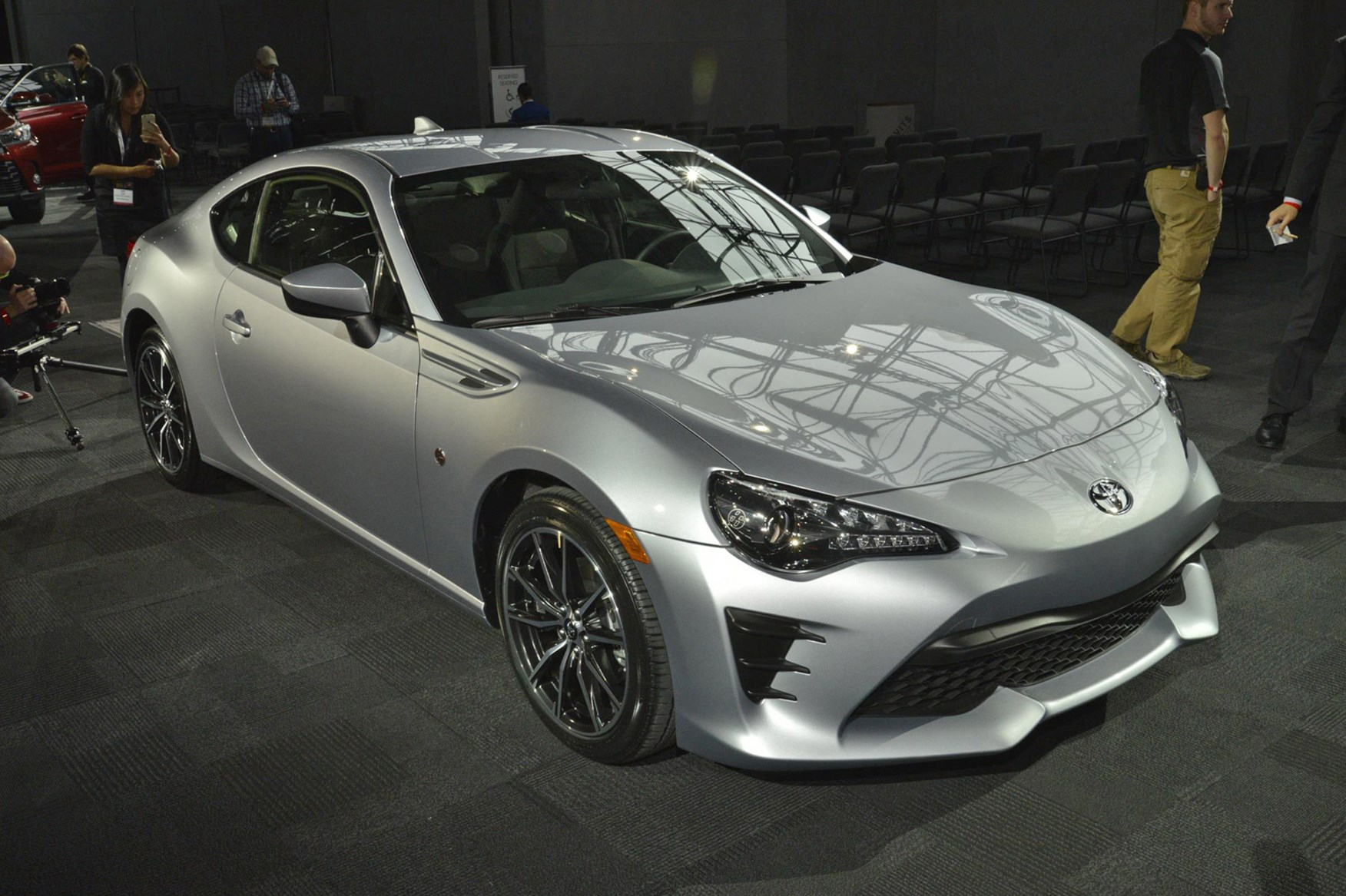 No Added Go But More Show Facelifted 2016 Toyota Gt86