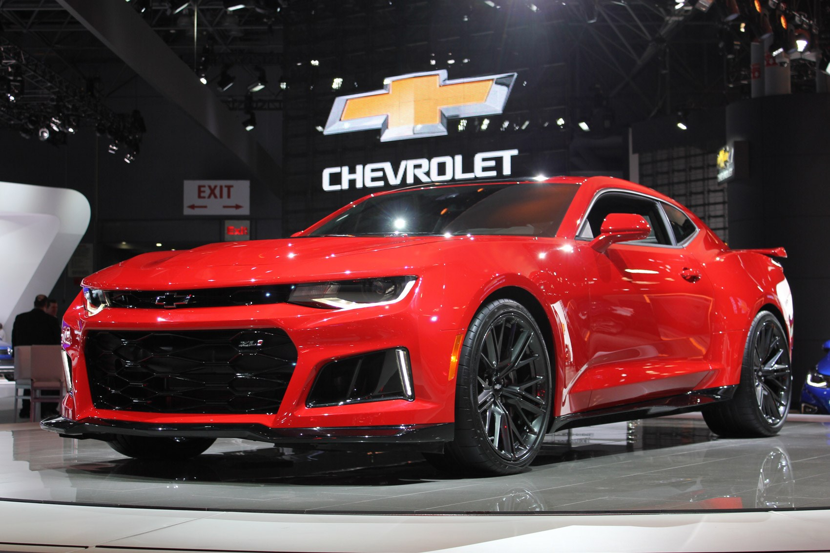 It S Time To Kick And Chew Bubblegum New 640bhp Chevrolet Camaro Zl1 Revealed