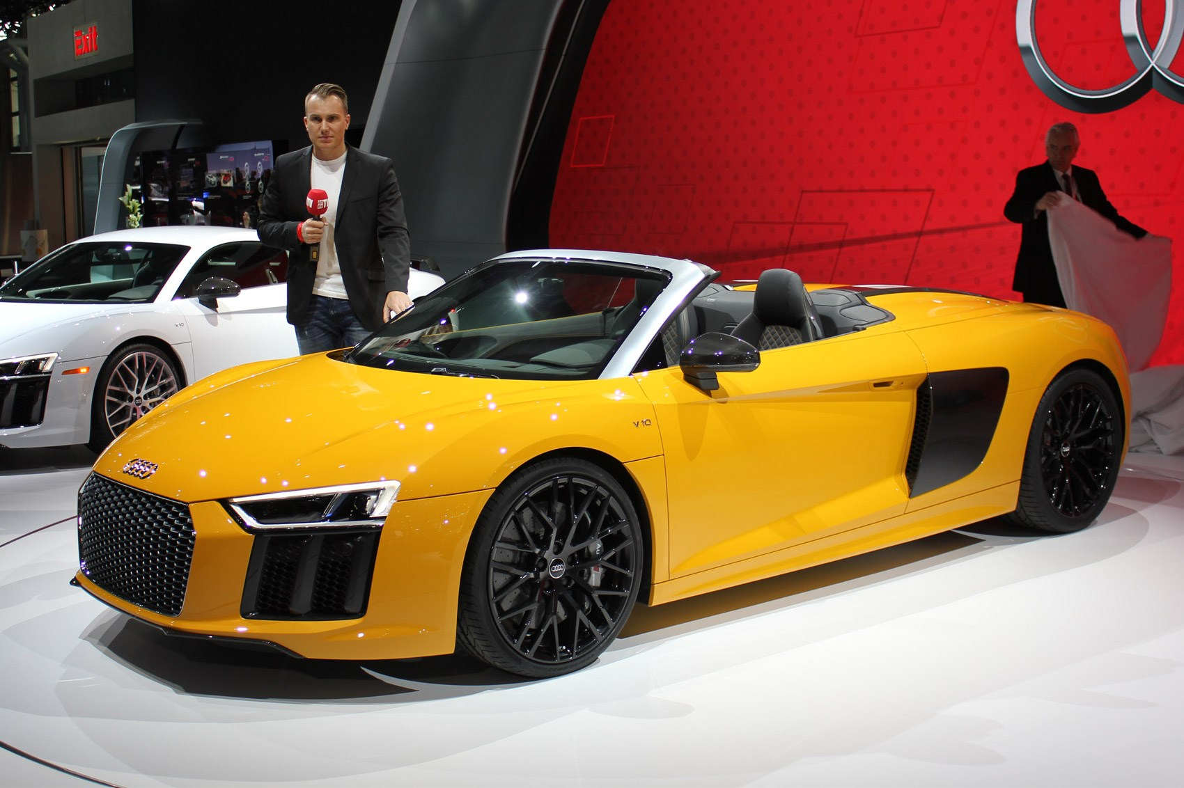new audi r8 spyder revealed at 2016 new york motor show by car magazine. Black Bedroom Furniture Sets. Home Design Ideas