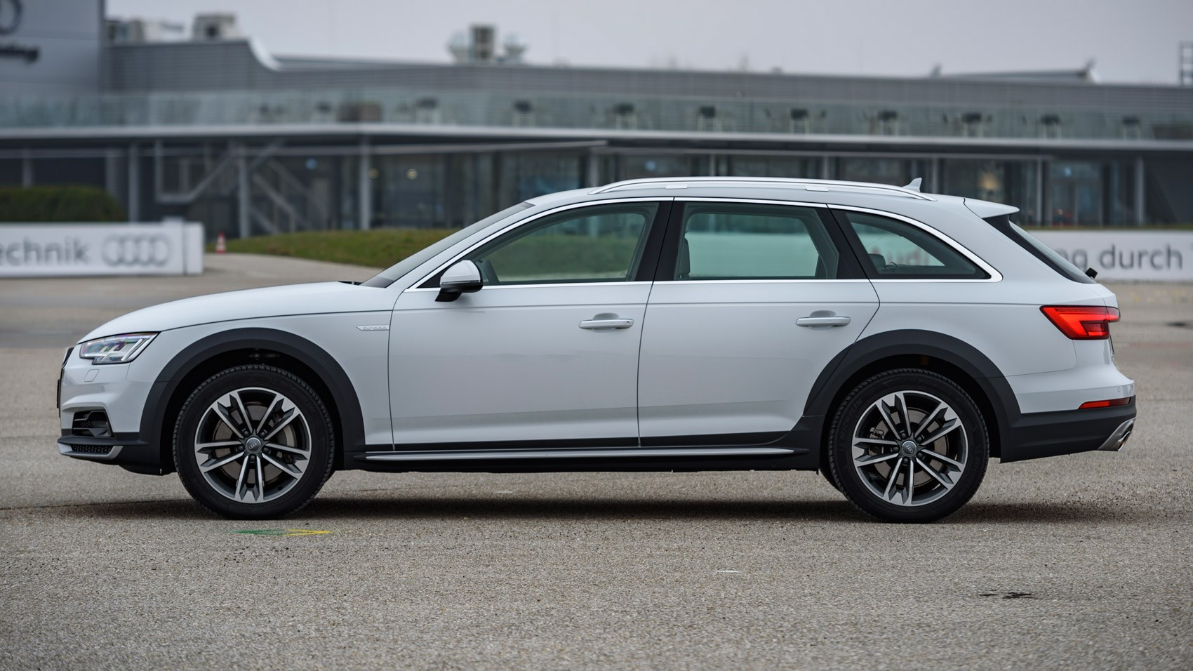 Audi A4 Allroad 2.0 TFSI Quattro (2016) review by CAR Magazine