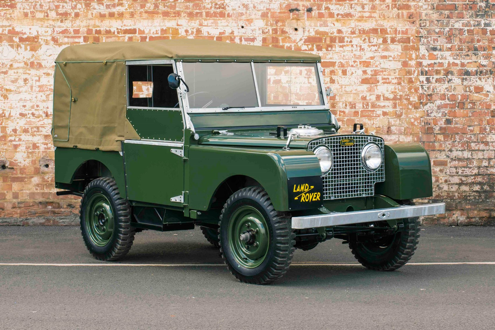 it lives it dies it lives again land rover series 1 reborn revealed by car magazine. Black Bedroom Furniture Sets. Home Design Ideas
