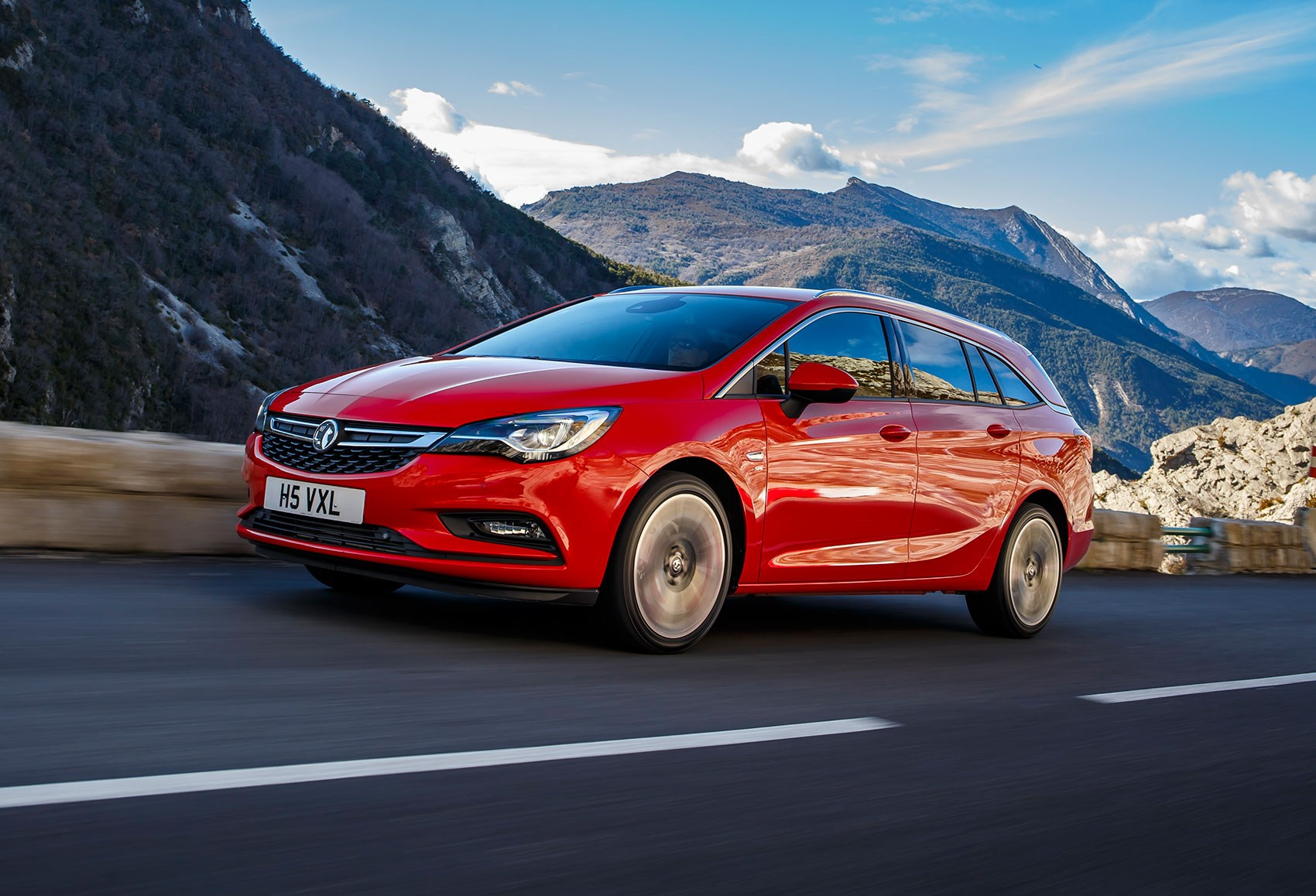 Used Car For Lease >> Vauxhall Astra Sports Tourer Estate 1.6T 200ps Elite Nav (2016) review | CAR Magazine