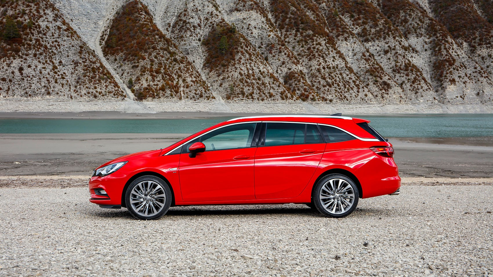 ... Lots Of Space In New Vauxhall Astra Sports Tourer ...