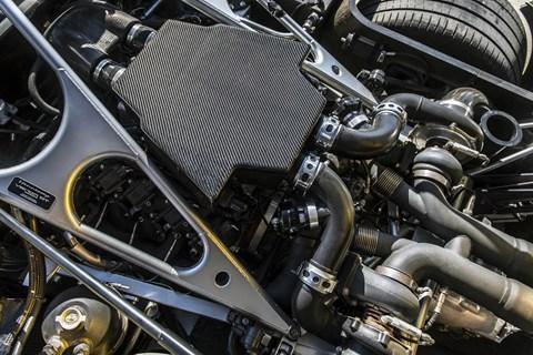 2016 Hennessey Venom GT Spyder engine