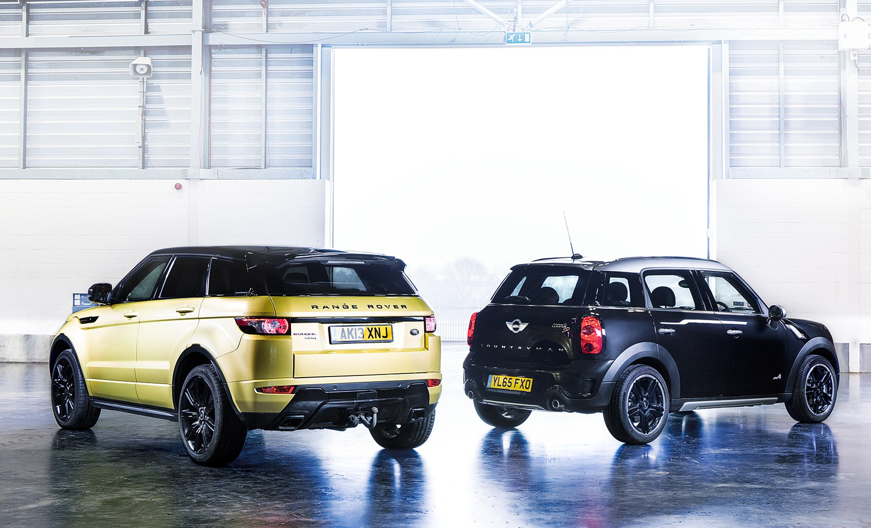icon buyer new mini countryman vs used range rover evoque. Black Bedroom Furniture Sets. Home Design Ideas
