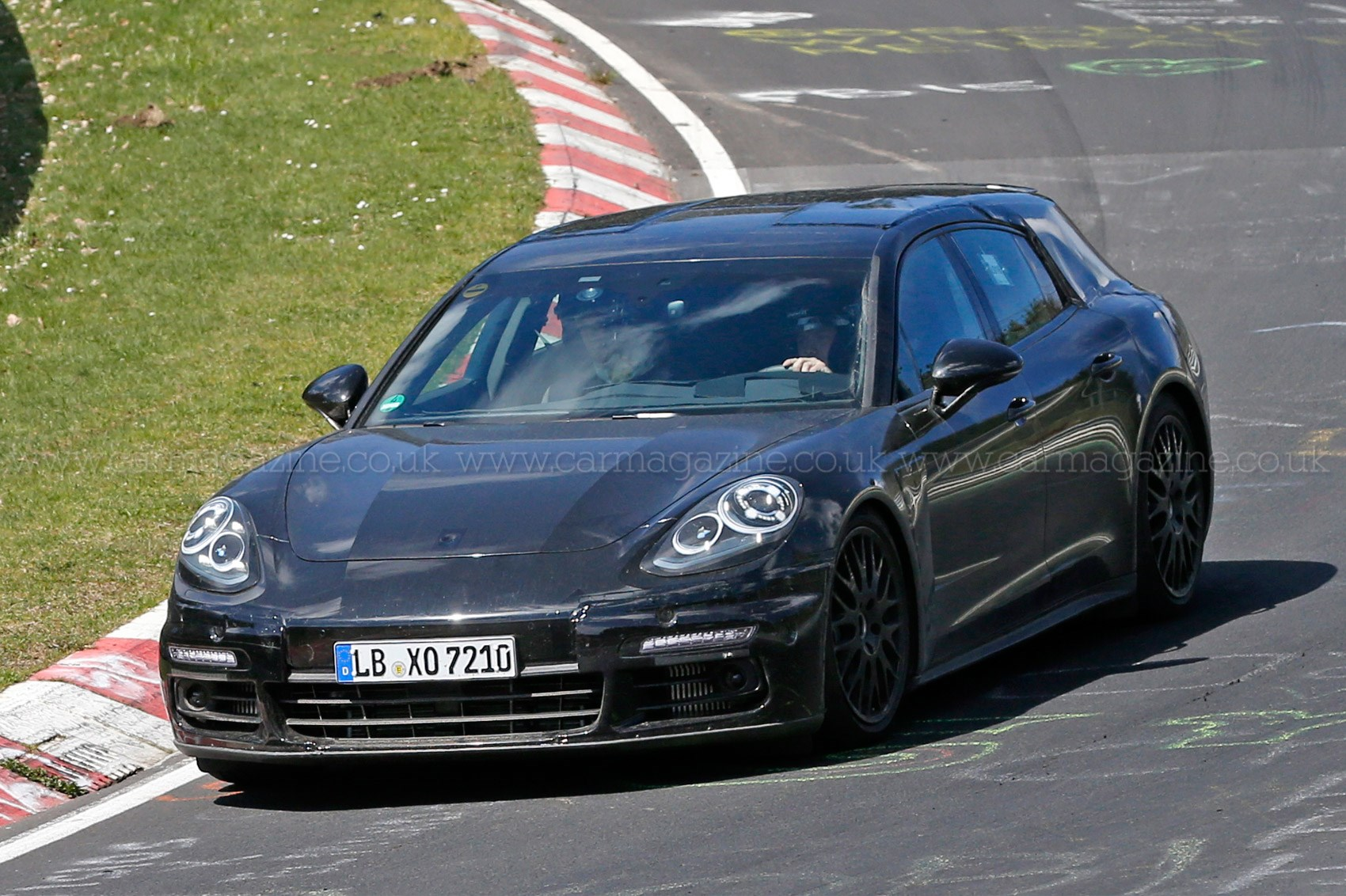space and pace porsche panamera shooting brake spotted car magazine. Black Bedroom Furniture Sets. Home Design Ideas