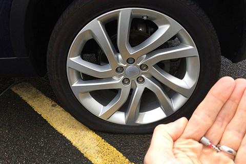 Discovery Sport tyre valve