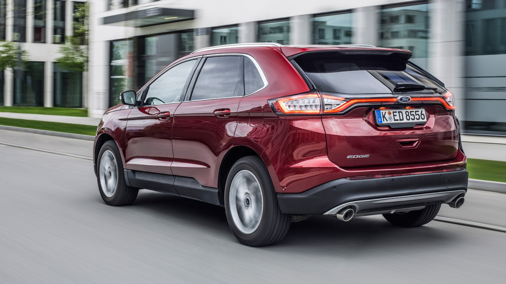 Ford Edge 20 TDCi Titanium Powershift 2016 review by CAR Magazine
