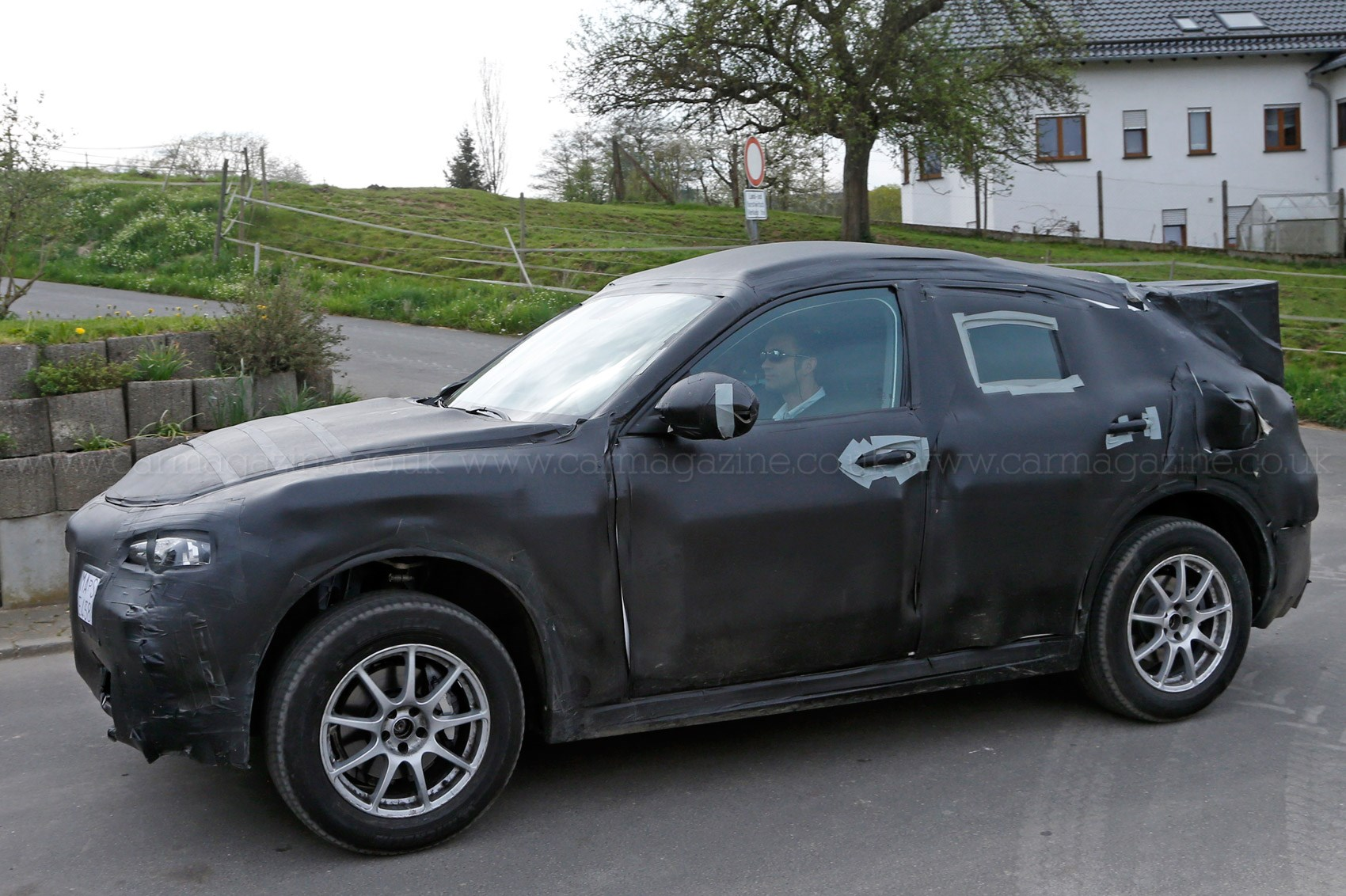 stelvio makes a pass alfa romeo suv prototype spotted by car magazine. Black Bedroom Furniture Sets. Home Design Ideas