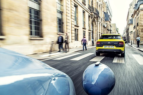 2CV catches up with C4 Cactus around Paris