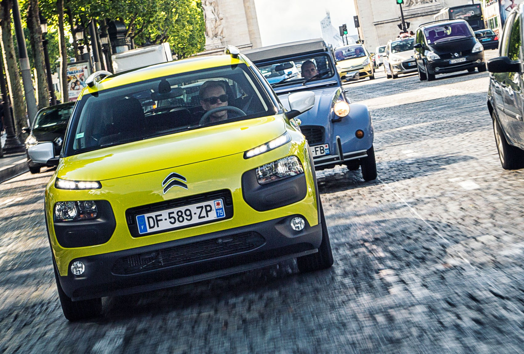citroen c4 cactus meets its 2cv ancestor in paris car magazine. Black Bedroom Furniture Sets. Home Design Ideas