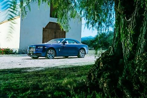 Rolls-Royce Dawn hood up