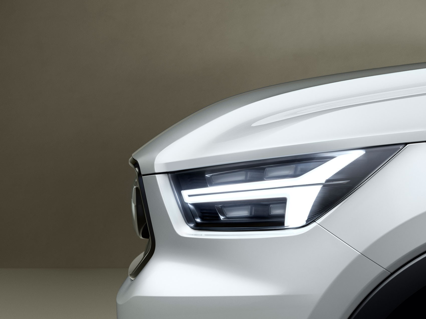 Volvo XC40 and V40 concepts: teased in pictures by CAR Magazine