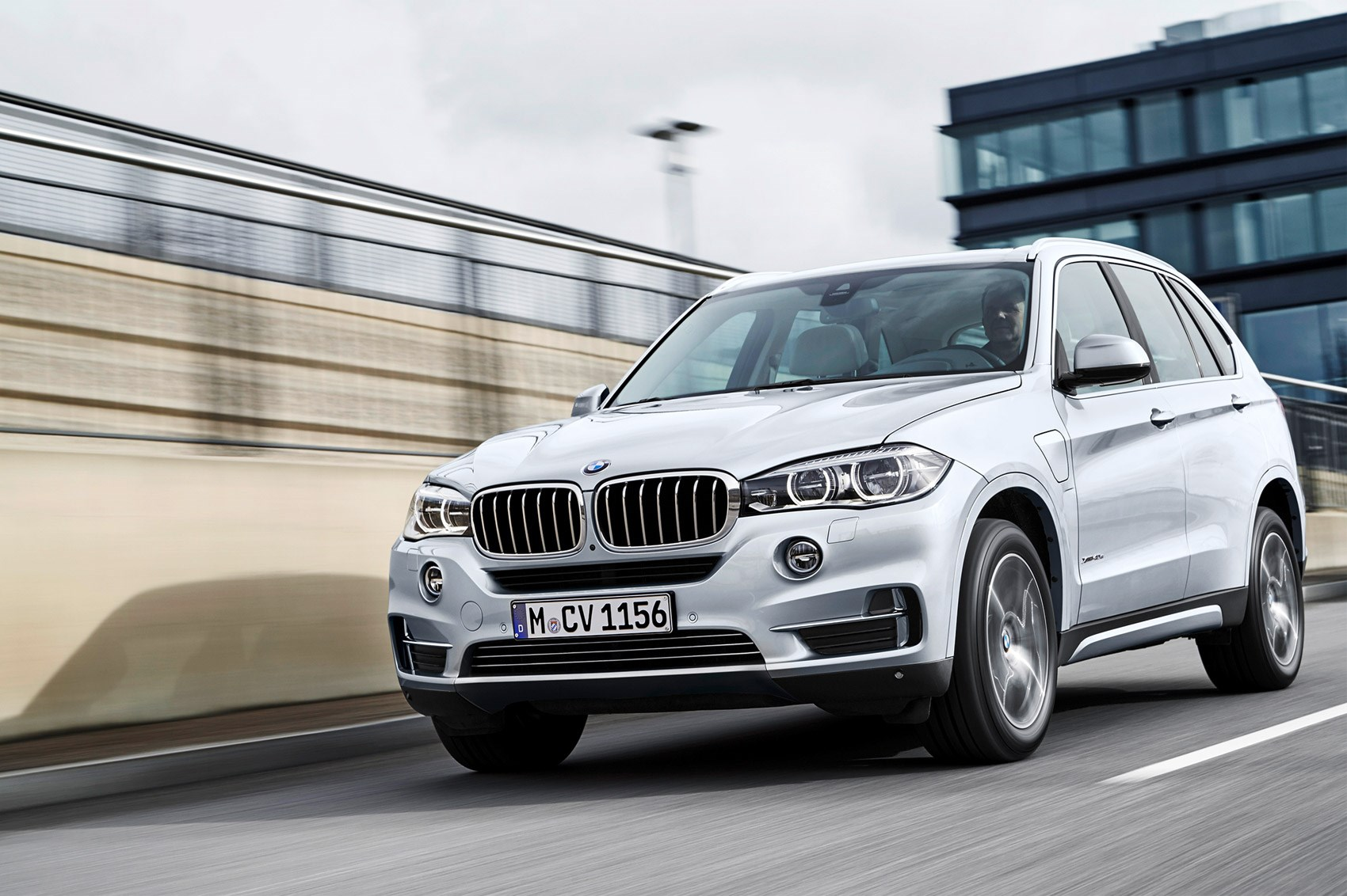 Bmw X5 Xdrive 40e First Drive Car June 2016