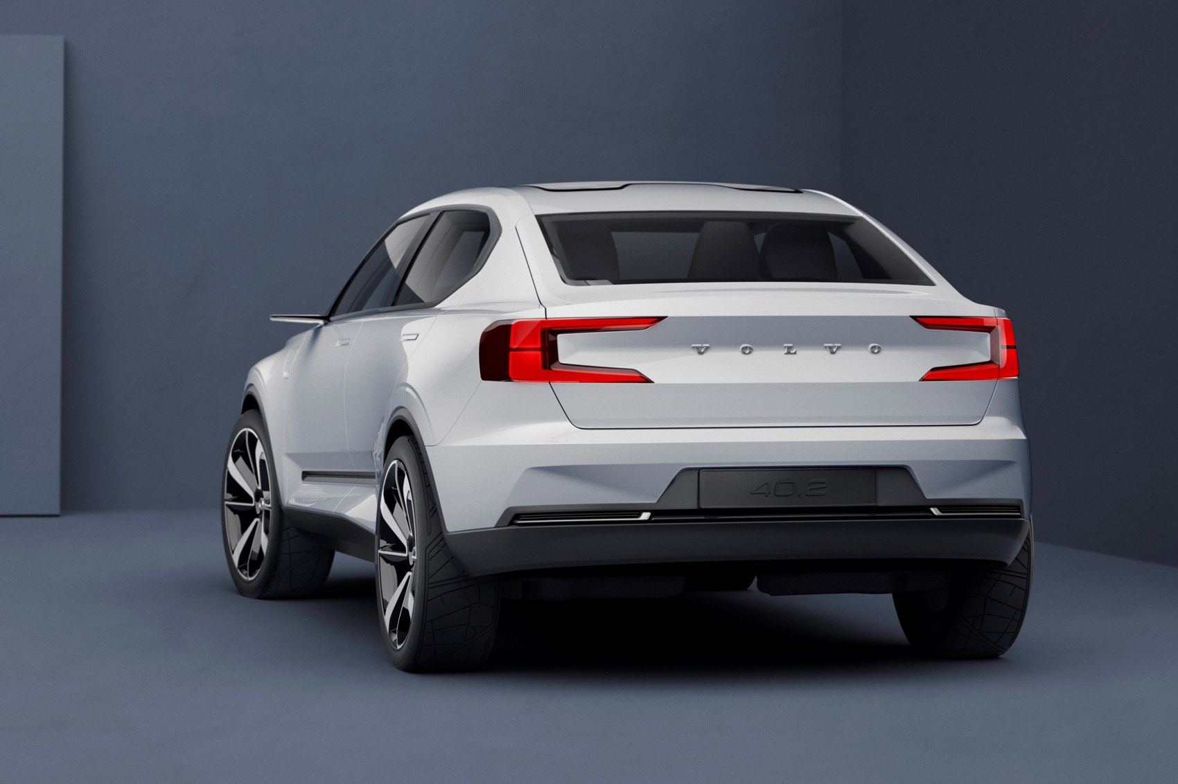 Volvo previews new 40-series models with double concept car unveil