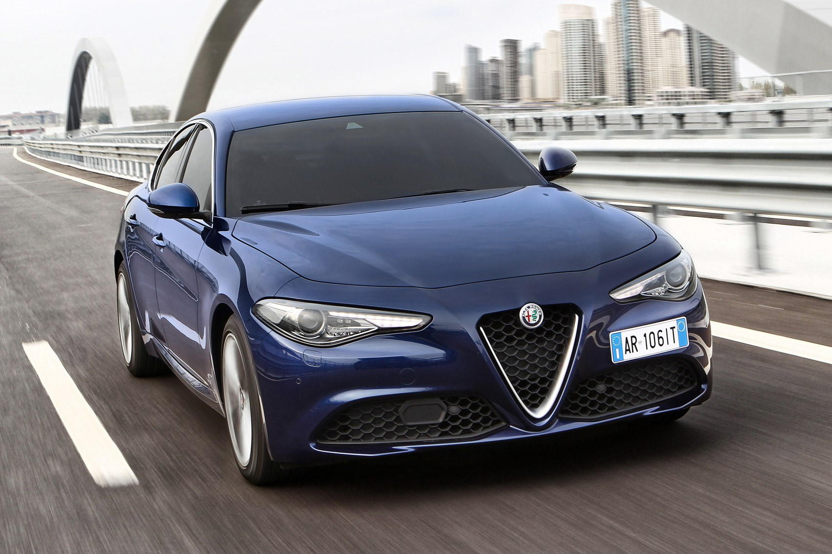 alfa romeo giulia 2 2 multijet 180 diesel 2016 review by car magazine. Black Bedroom Furniture Sets. Home Design Ideas