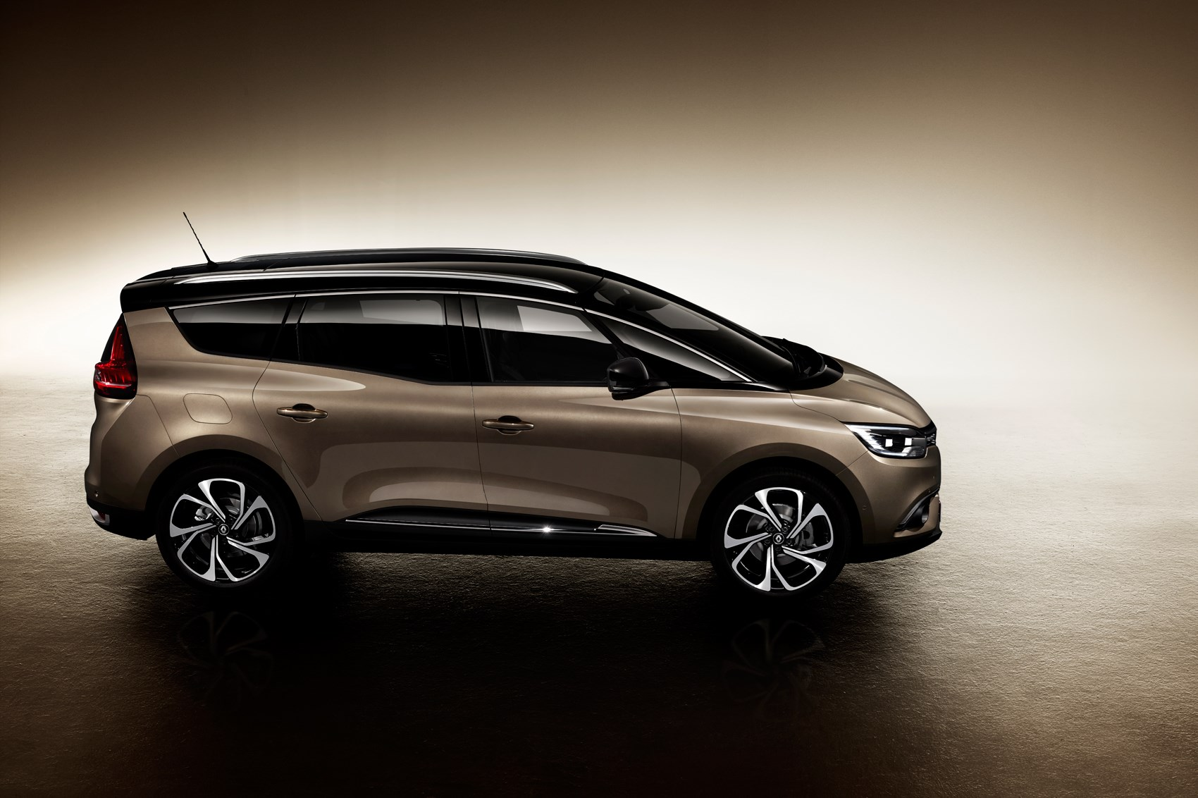 a scenic with extra seating 2016 renault grand scenic revealed by car magazine. Black Bedroom Furniture Sets. Home Design Ideas