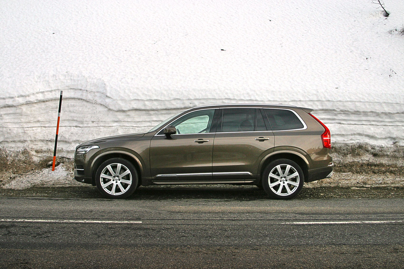 Volvo XC90 2017 long term test review by CAR Magazine