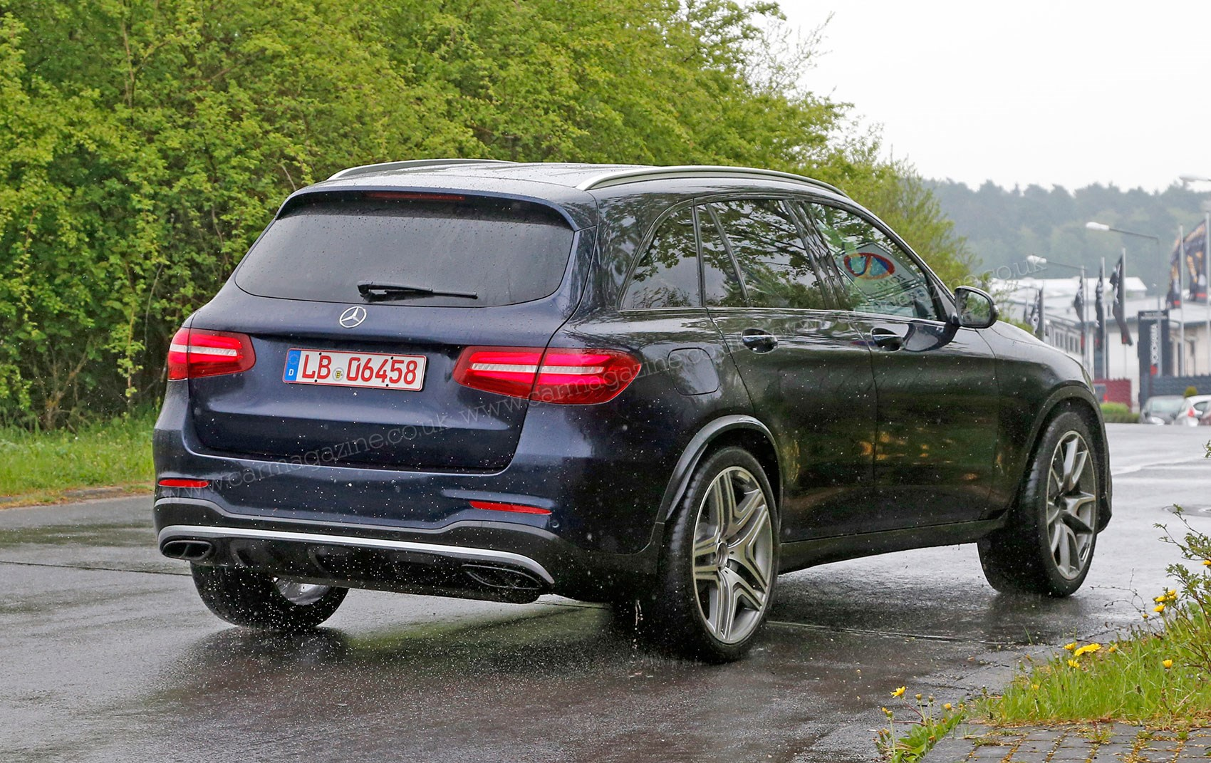 mercedes amg glc 63 spied the quick crossover is coming car magazine. Black Bedroom Furniture Sets. Home Design Ideas