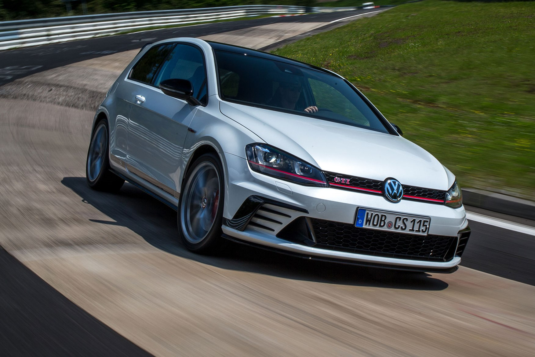 VW Golf GTI Clubsport S (2016) Review