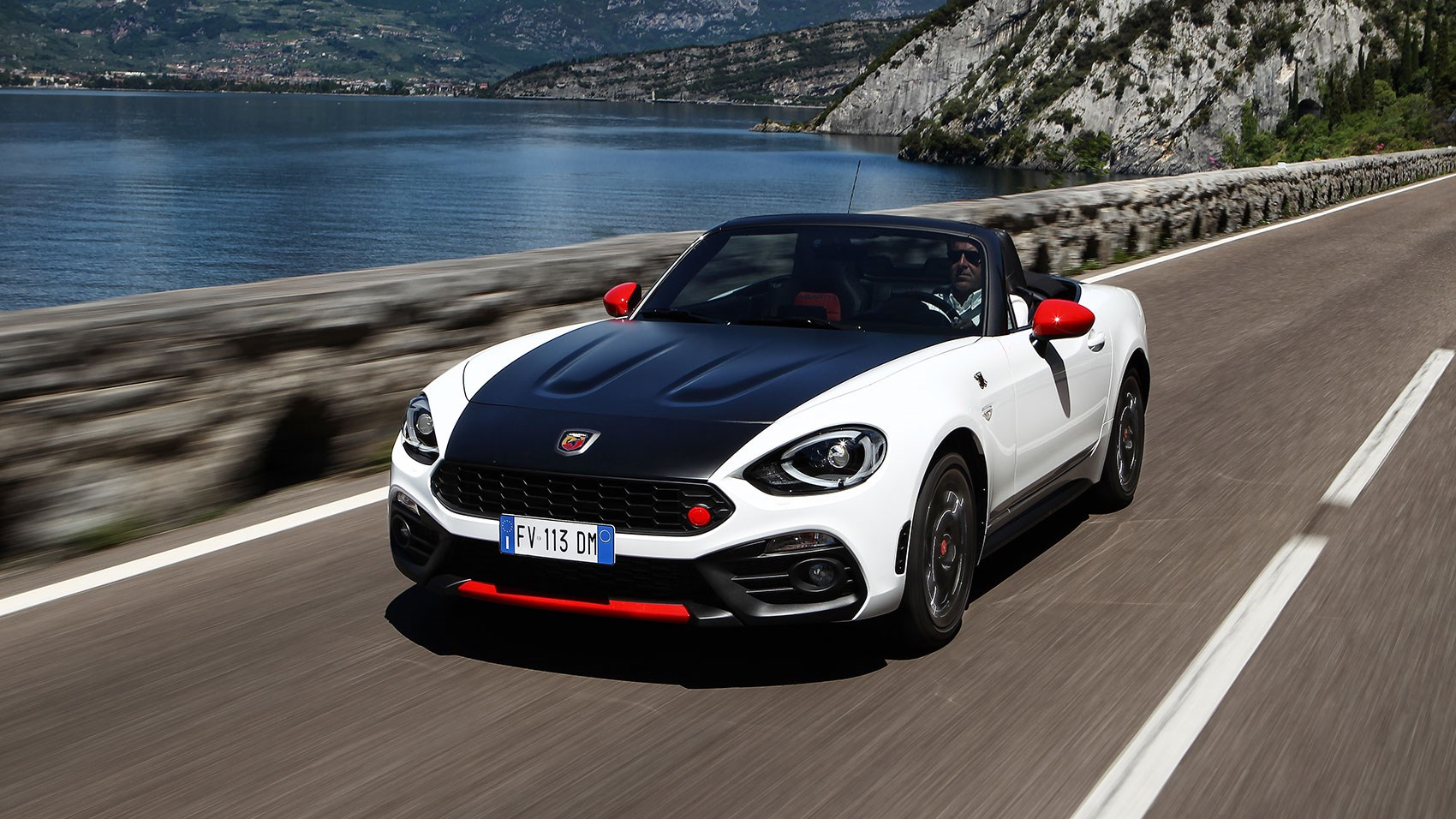 2017 fiat 124 spider abarth specs price and performance. Black Bedroom Furniture Sets. Home Design Ideas