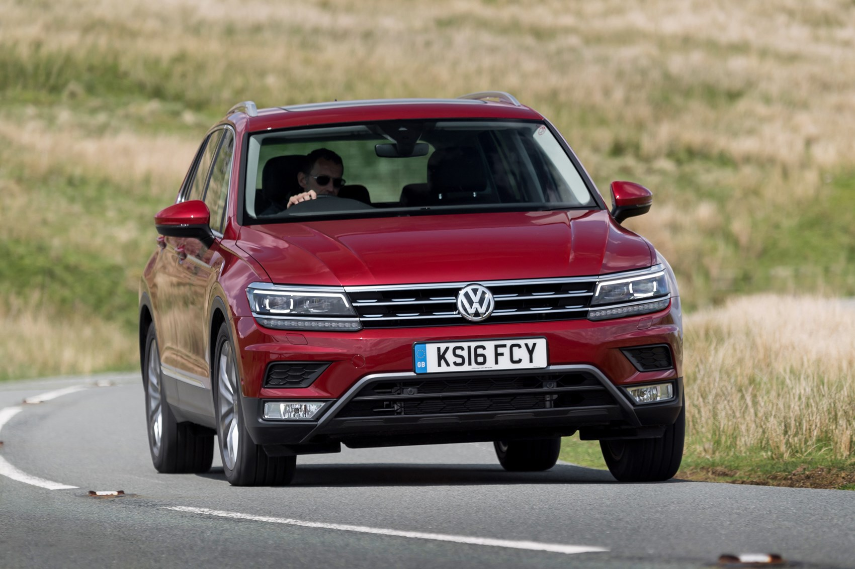 vw tiguan 2 0 tdi 150 se nav 2wd 2016 review by car magazine. Black Bedroom Furniture Sets. Home Design Ideas