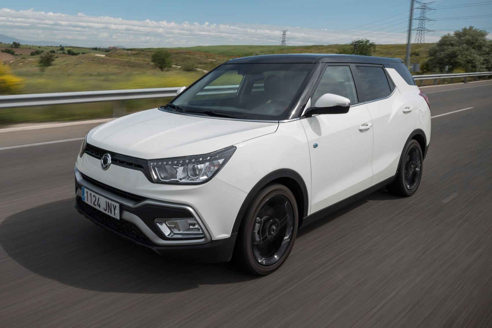 Ssangyong Tivoli Xlv 2016 Review By Car Magazine