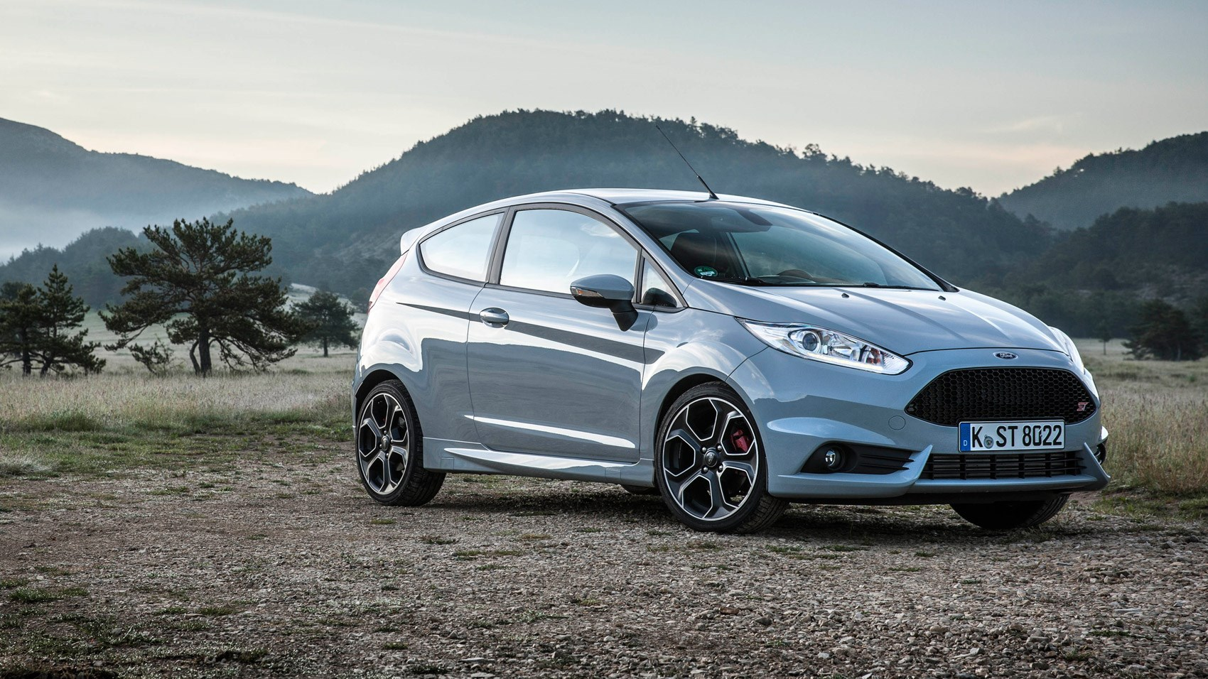 Ford Fiesta ST200 (2016) review by CAR Magazine