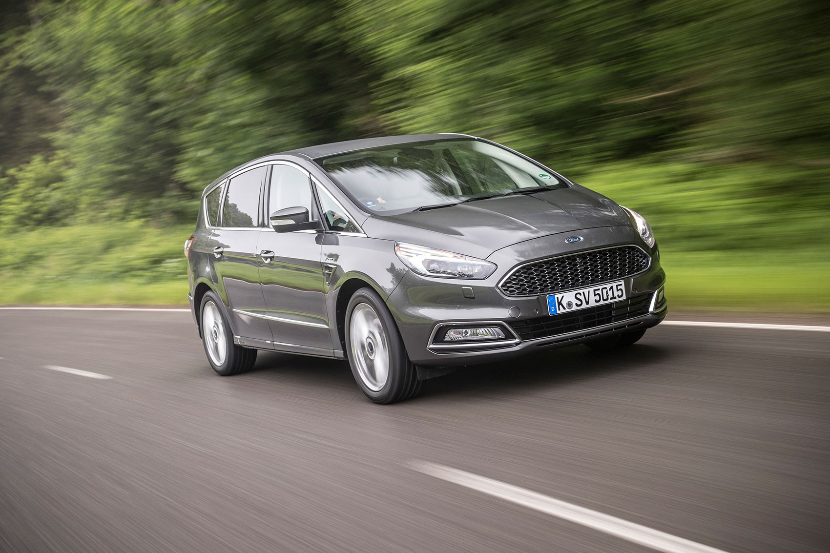 Ford S-Max Vignale 2.0 TDCi 210ps (2016) review by CAR ...