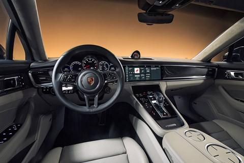 Porsche Panamera (2016) cabin