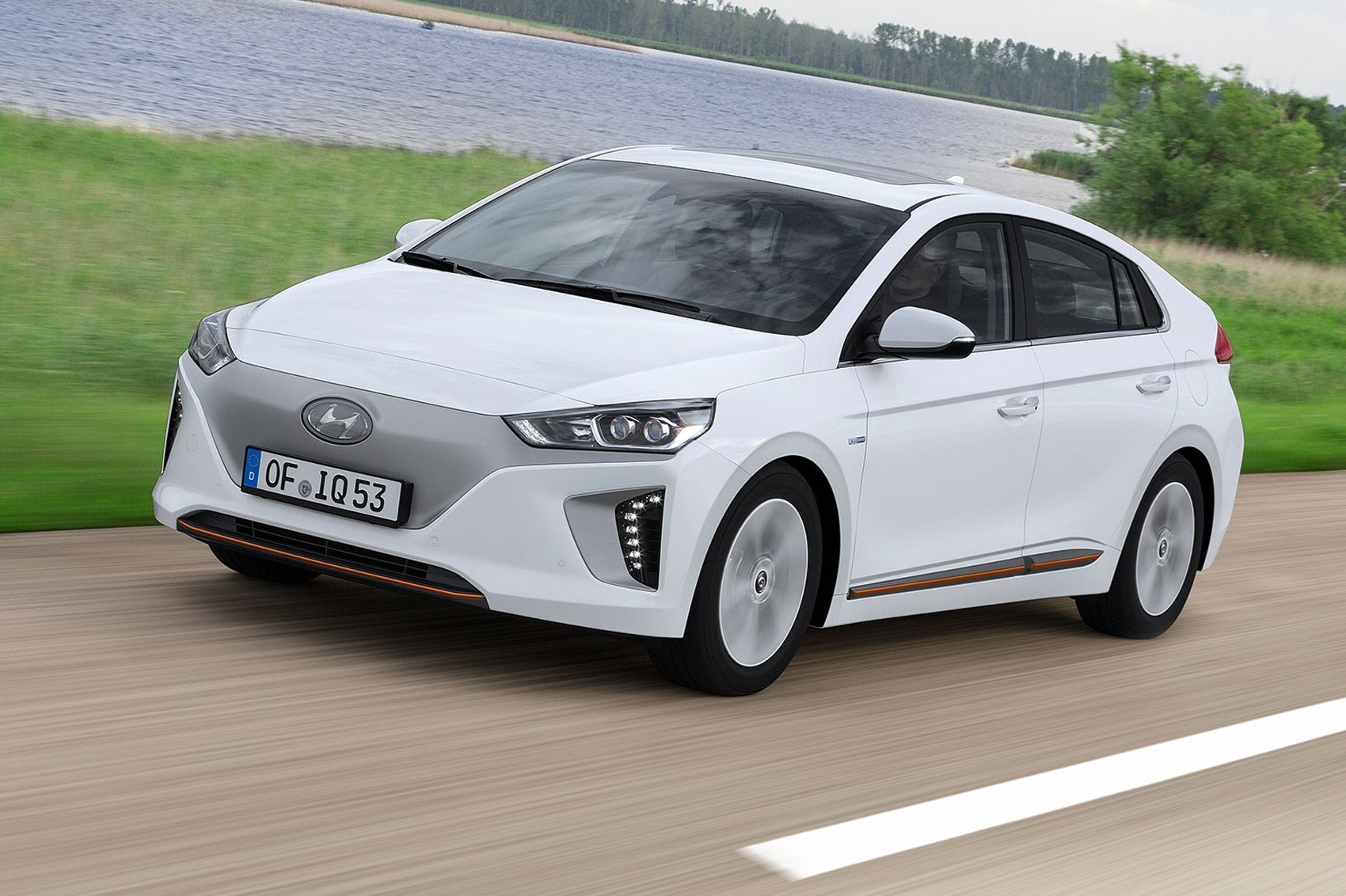 Hyundai Ioniq 2016 Hybrid And Electric Review