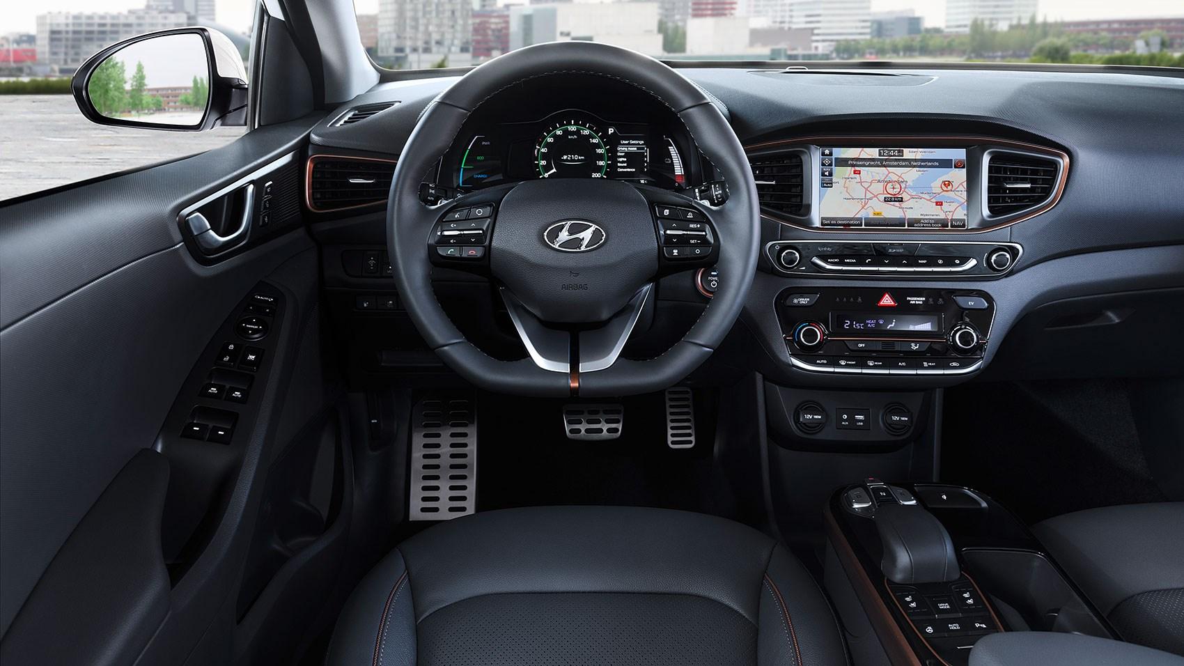 Hyundai Ioniq 2016 Hybrid And Electric Review Car Magazine