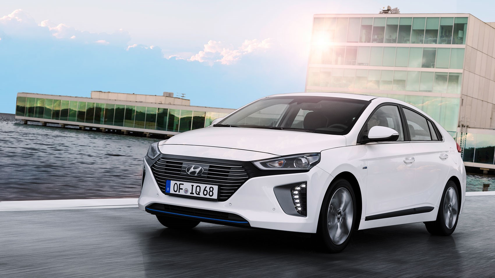 hyundai ioniq 2016 hybrid and electric review car magazine. Black Bedroom Furniture Sets. Home Design Ideas