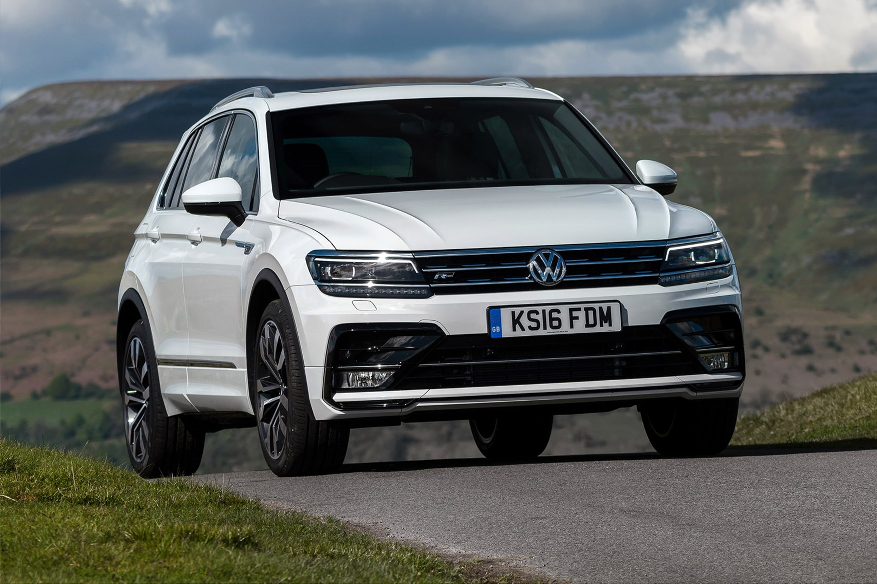 Interesting Info About 2018 Vw Tiguan R Line with Mesmerizing Pictures Cars Review