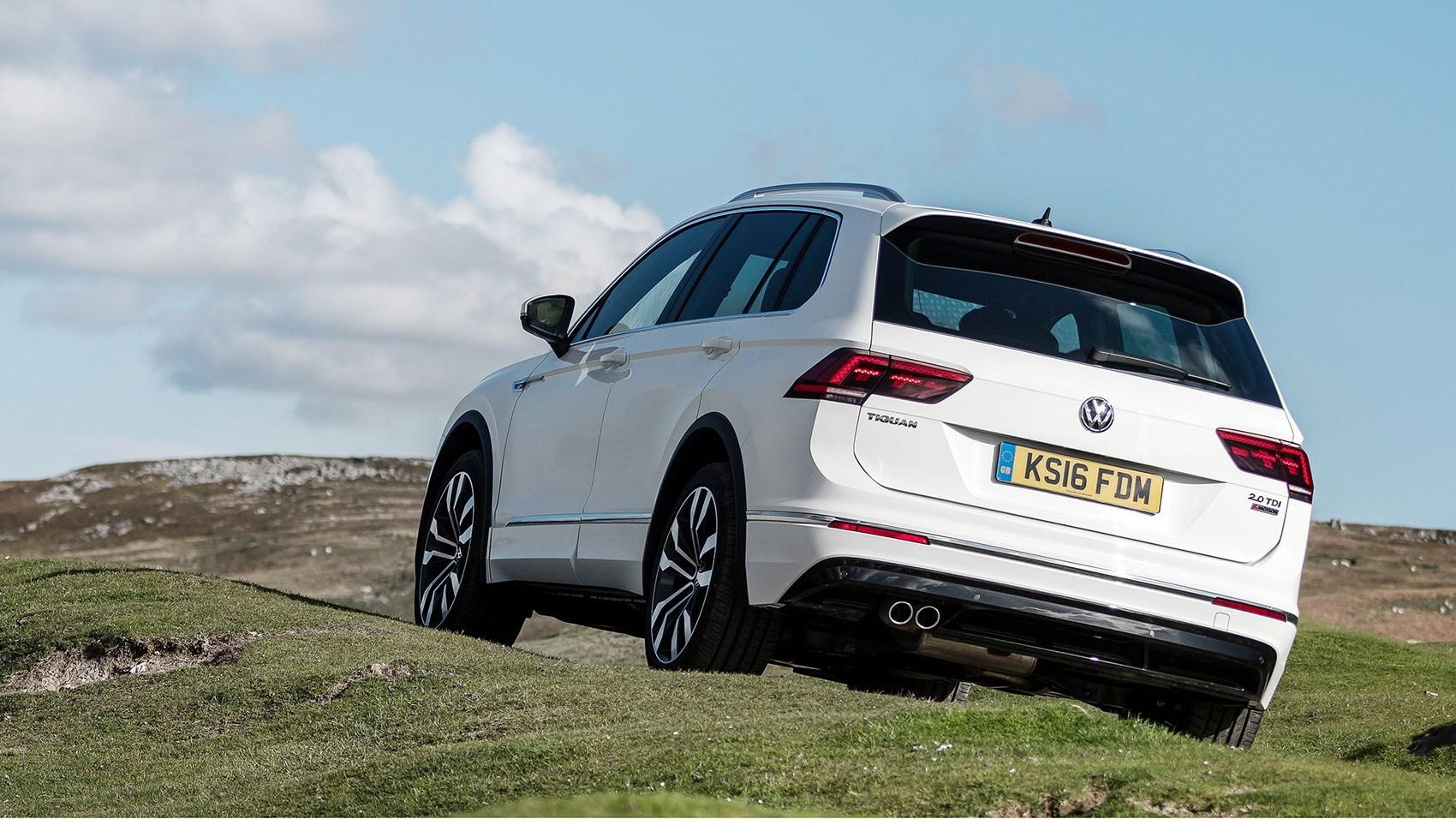VW Tiguan RLine 20 TDI 150 4Motion DSG 2016 review by CAR Magazine