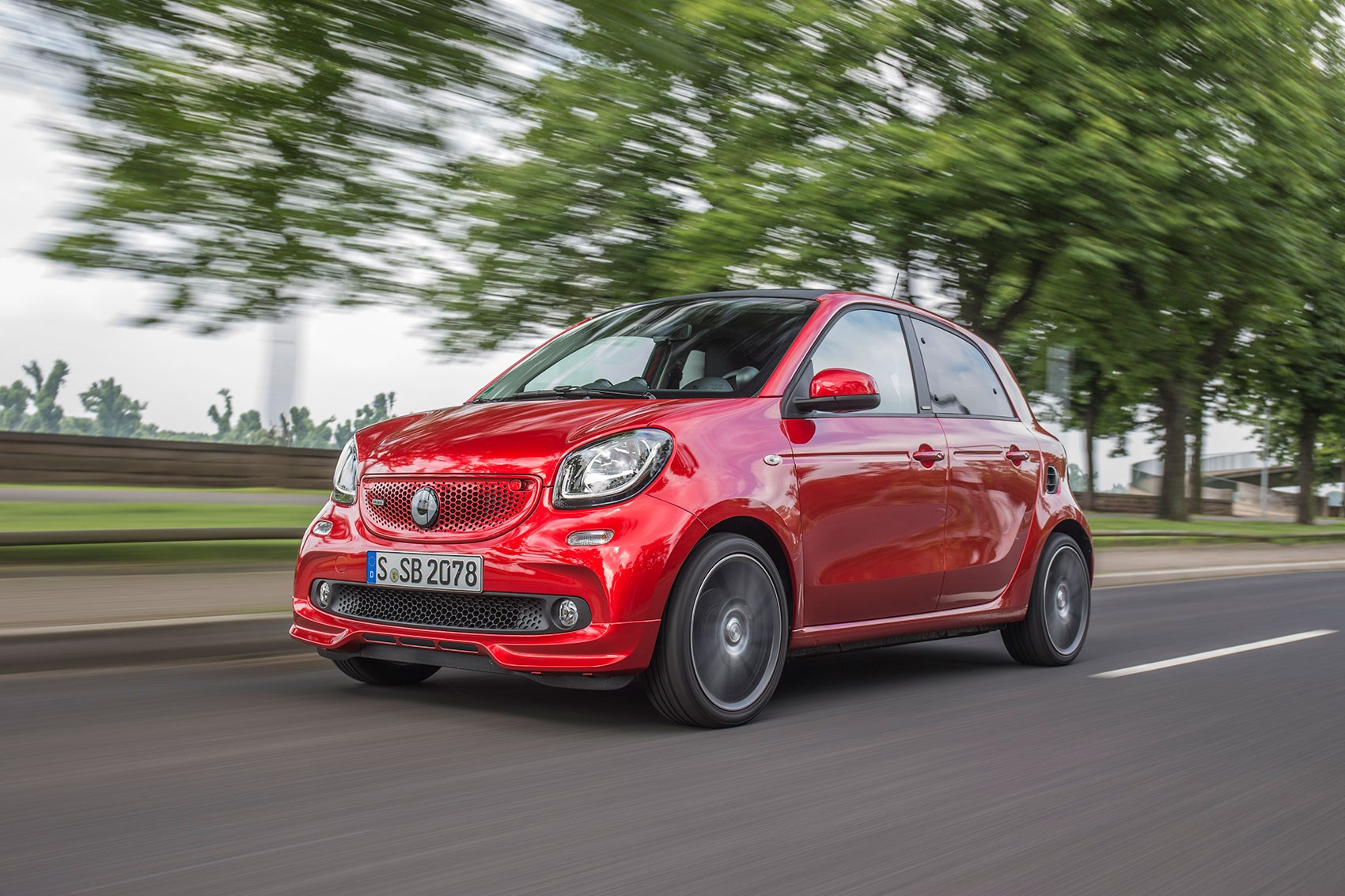 Smart Forfour Brabus 2016 Review