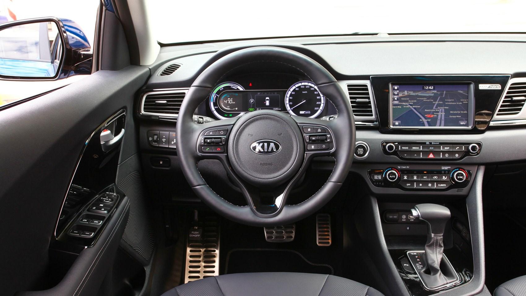 Kia Niro Lease >> Kia Niro (2016) review by CAR Magazine