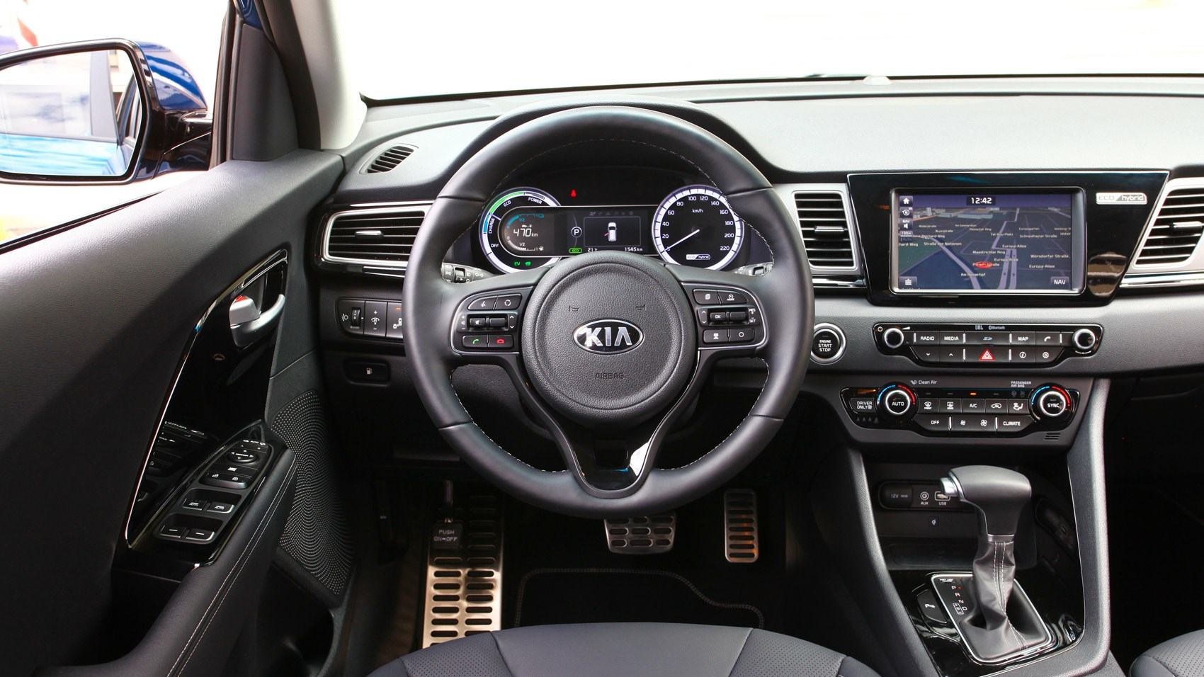 Kia Niro 2016 Review Car Magazine