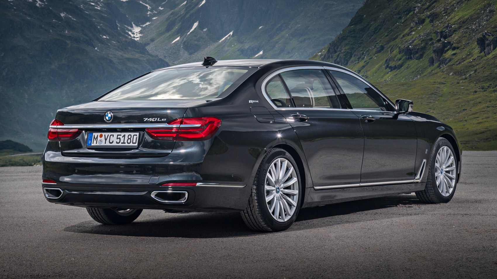 BMW 7series 740Le xDrive iPerformance 2016 review by CAR Magazine