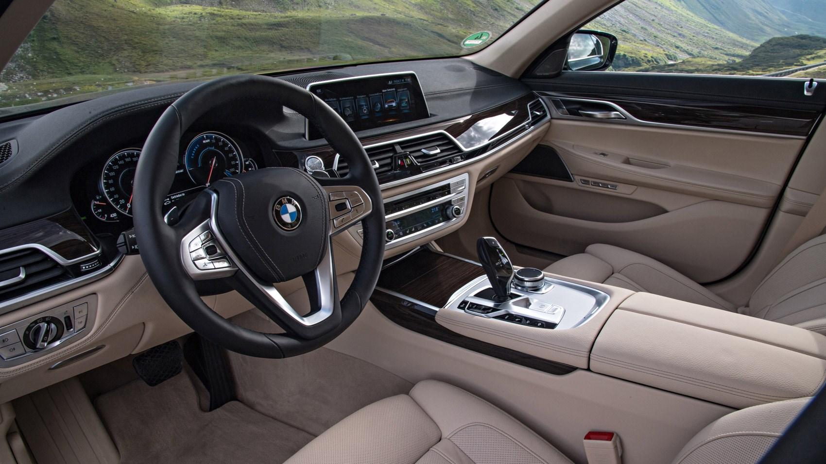 BMW 7 Series 740Le XDrive IPerformance