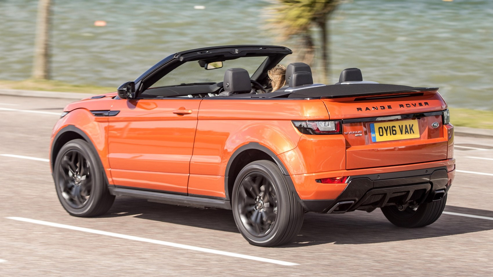 range rover evoque convertible 2 0 td4 hse dynamic 2016 uk review car magazine. Black Bedroom Furniture Sets. Home Design Ideas