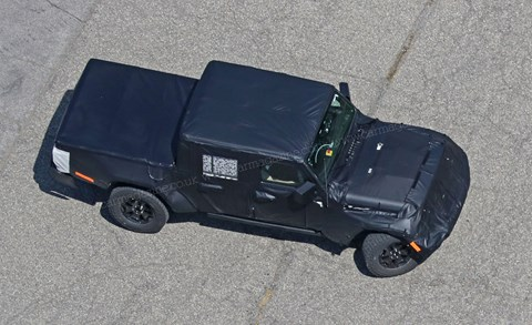 2019 Jeep Wrangler pick-up spy shots