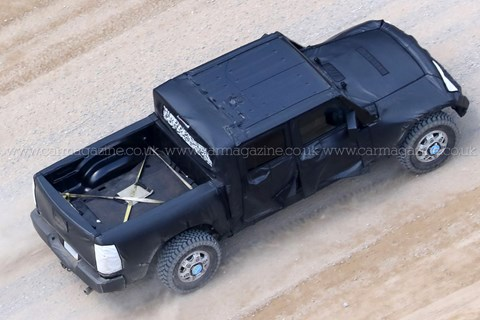 2018 Jeep Wrangler pick-up spy shots