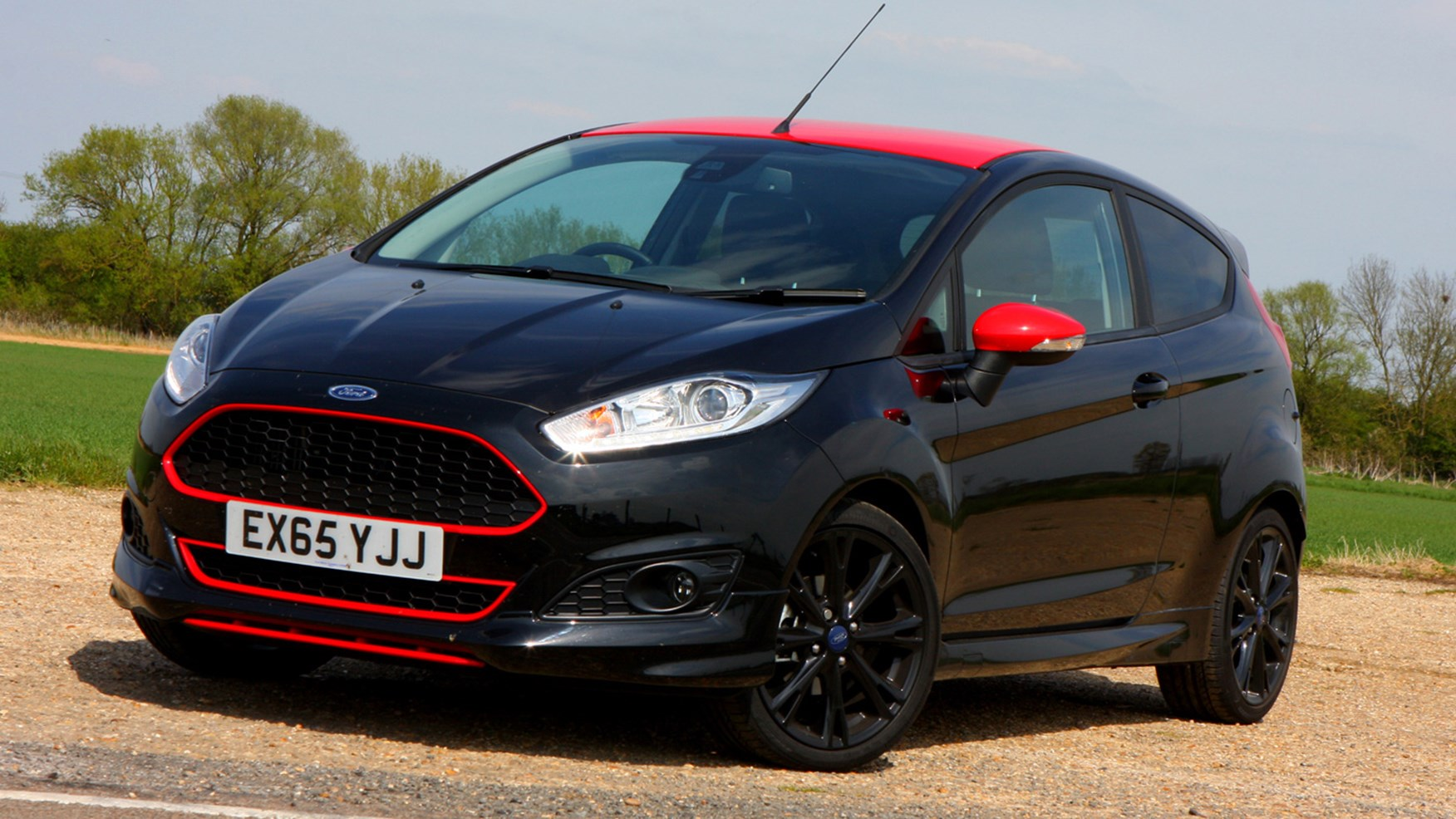 Ford Fiesta 1.0 Ecoboost 140ps ST Line Black Edition (2016) review by CAR Magazine