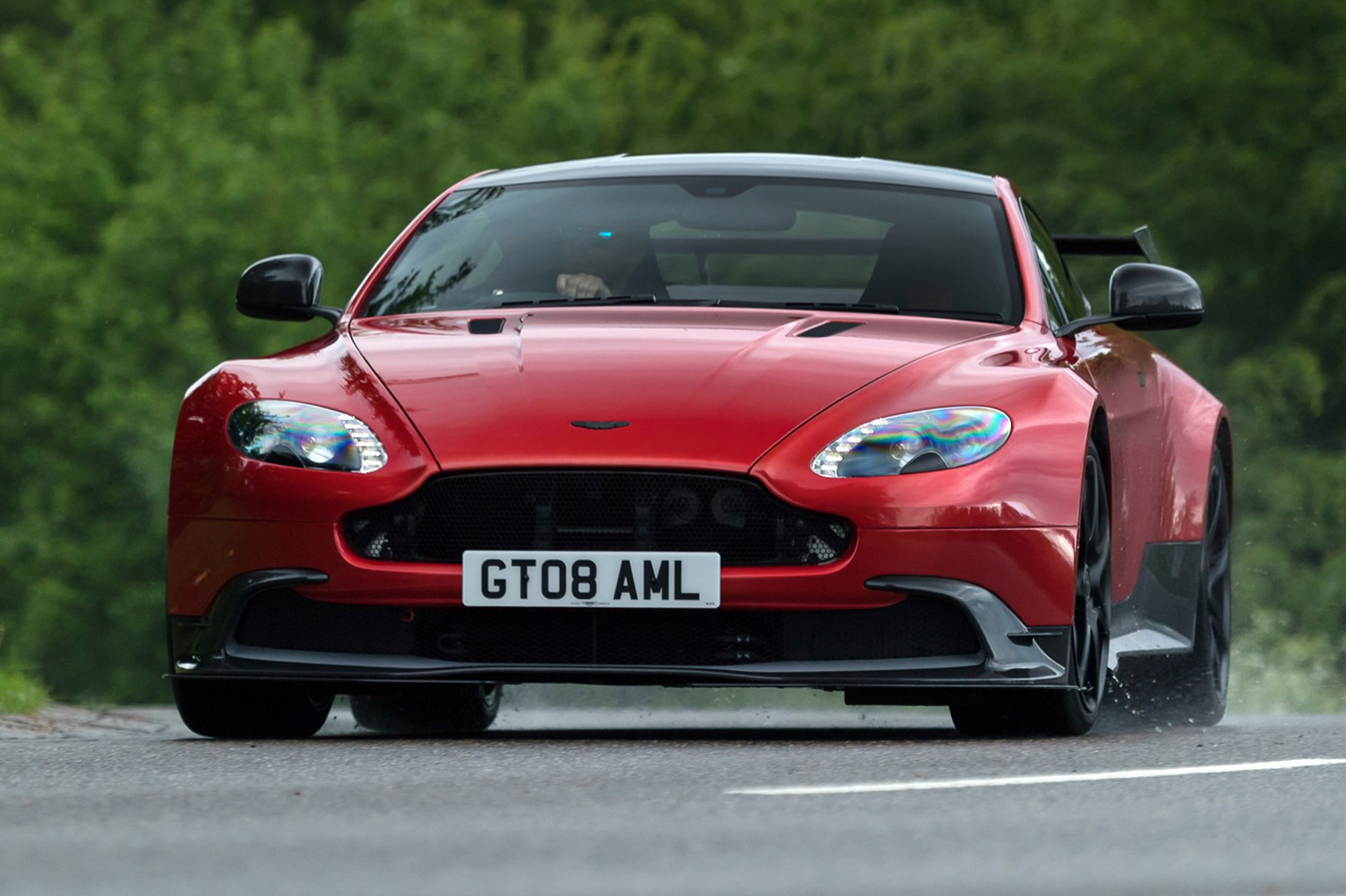 2016 Aston Martin Vantage Gt8 Review