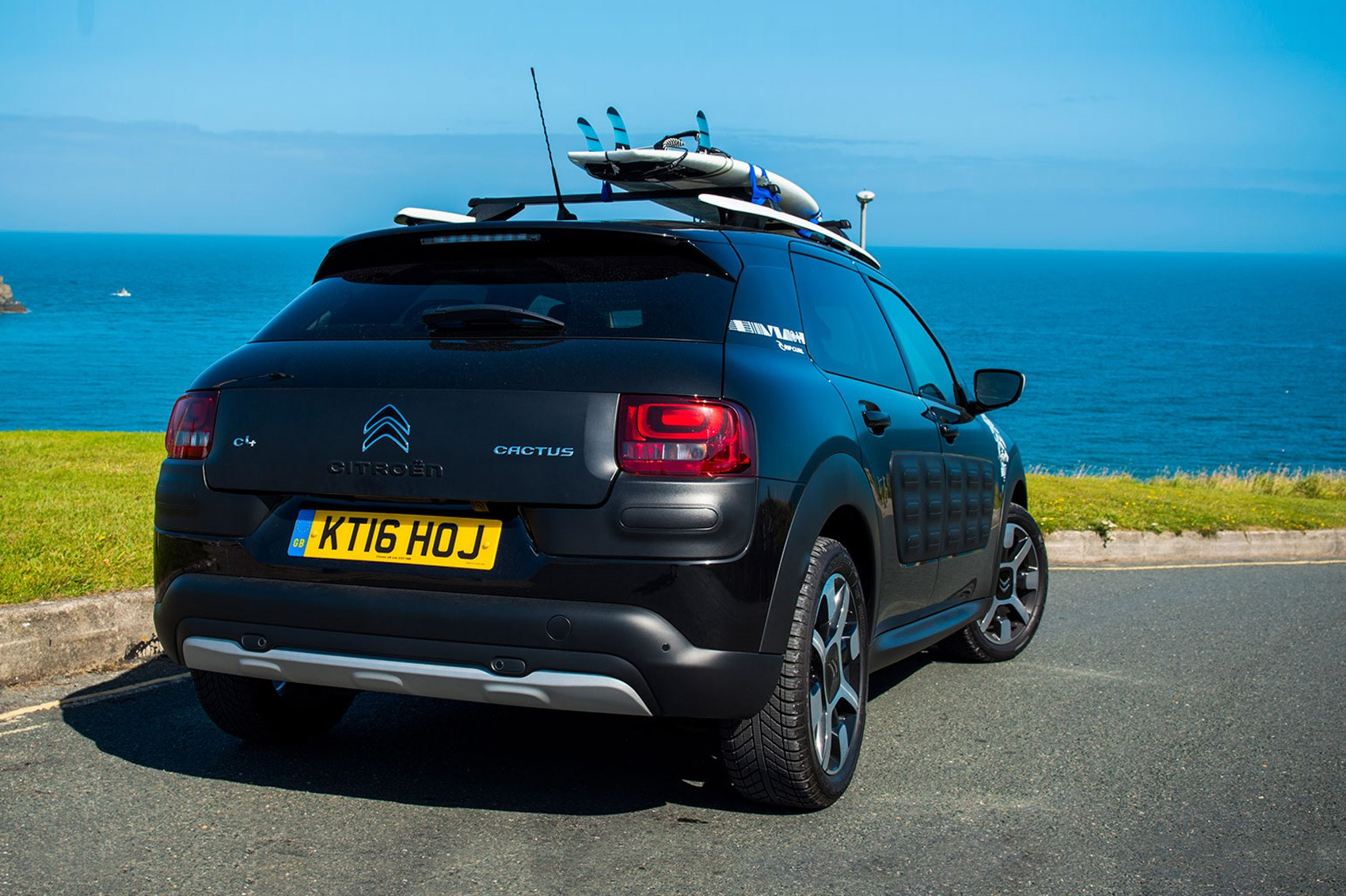 citroen c4 cactus rip curl edition 2016 review by car magazine. Black Bedroom Furniture Sets. Home Design Ideas
